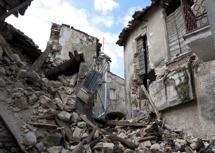 เมื่อเจอแผ่นดินไหวในต่างประเทศ ต้องทำยังไง