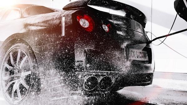 หน้าฝนต้องล้างรถบ่อยๆ