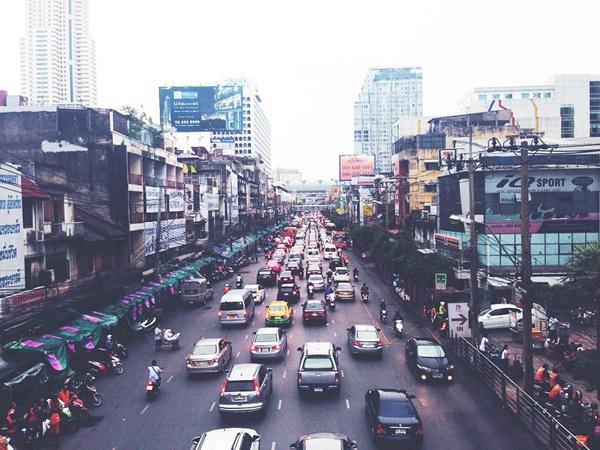 10 ถนนในกรุงเทพ ที่น้ำท่วม
