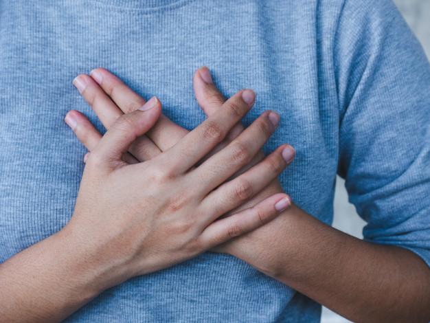 โรคความดันโลหิตสูง เส้นเลือดแตก อาจทำให้เป็นอัมพฤกษ์ อัมพาตได้