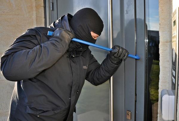 เมื่อถูกโจรงัดบ้าน ทำประกันตัวไหนได้รับความคุ้มครองบ้าง
