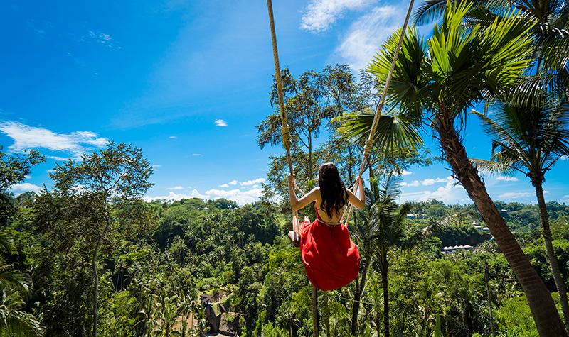 นั่งชิงช้า Bali Swing ที่บาหลี ประเทศอินโดนีเซีย