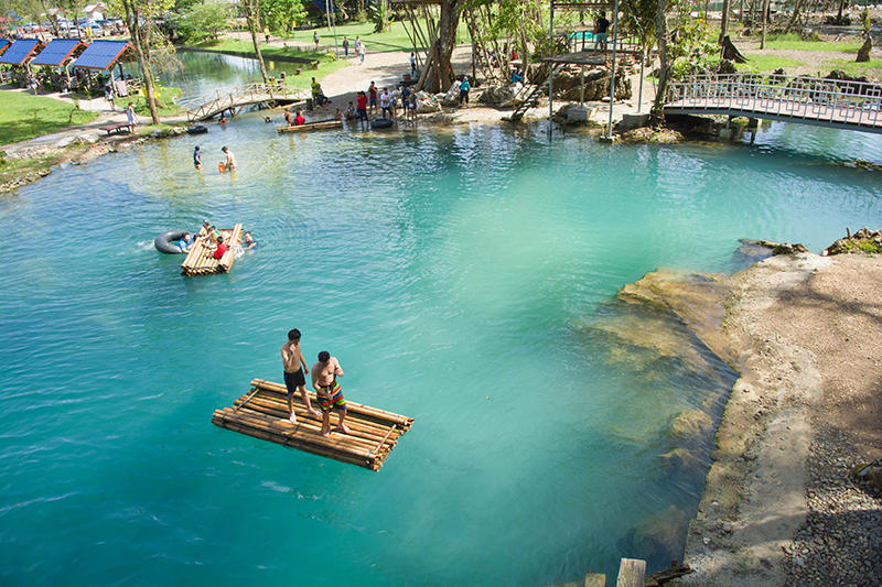 Blue Lagoon ประเทศลาว