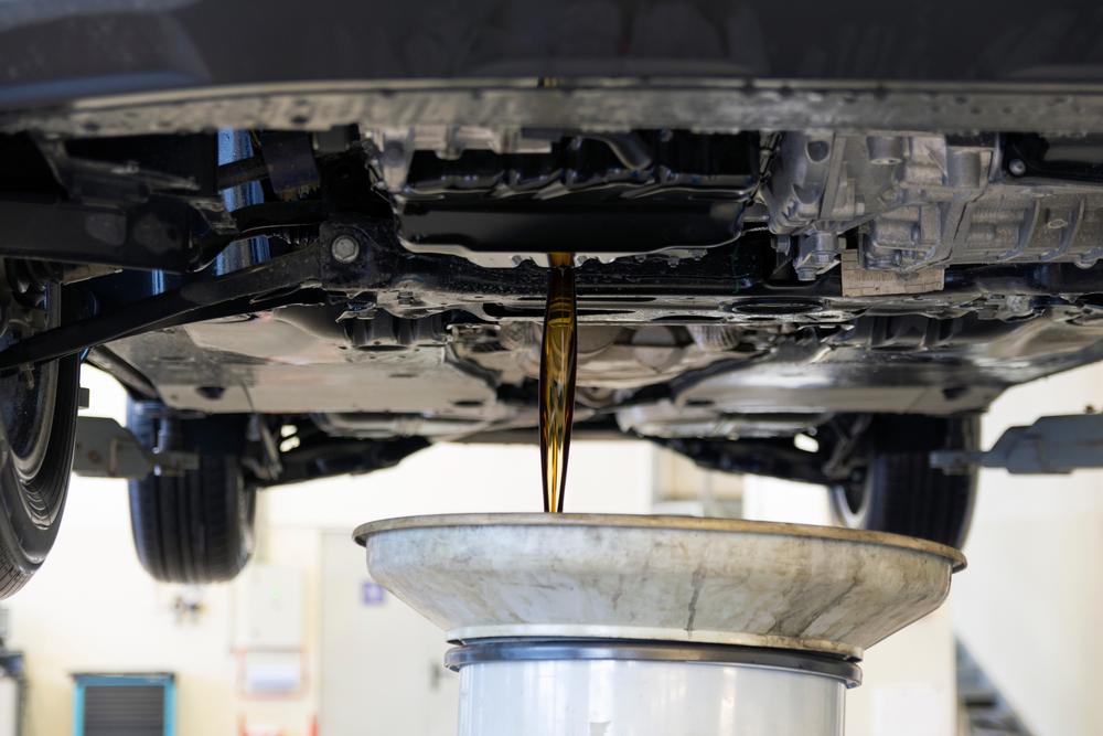 น้ำมันเครื่องรถยนต์ ควรเปลี่ยนเมื่อไหร่