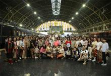 TQM พาลูกค้าแต่งไทยย้อนยุคเยือนงานแผ่นดินสมเด็จพระนารายณ์