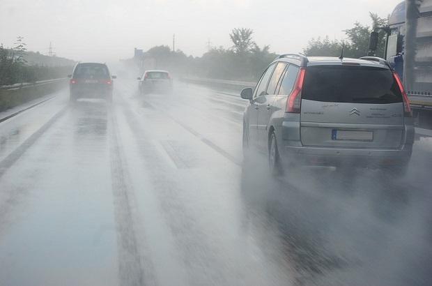 วิธีทำความสะอาด น้ำเข้ารถ ช่วงหน้าฝน