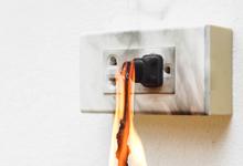 5 พฤติกรรมที่ก่อให้เกิดไฟไหม้บ้าน