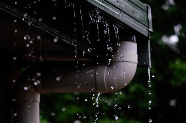 วิธีทำความสะอาด รางน้ำฝน ในช่วงหน้าฝน