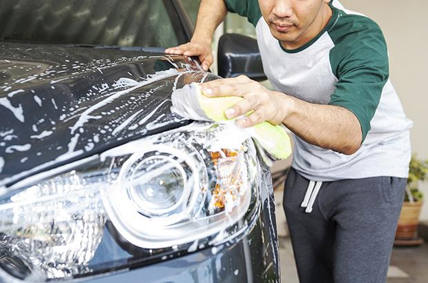 ล้างรถเองที่บ้านก็ได้ สไตล์พ่อบ้านใจกล้า