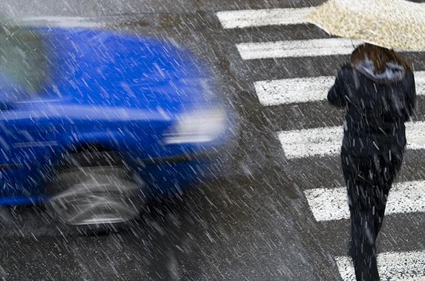 สิ่งที่มือใหม่ต้องระวังขับรถตอนหน้าฝน